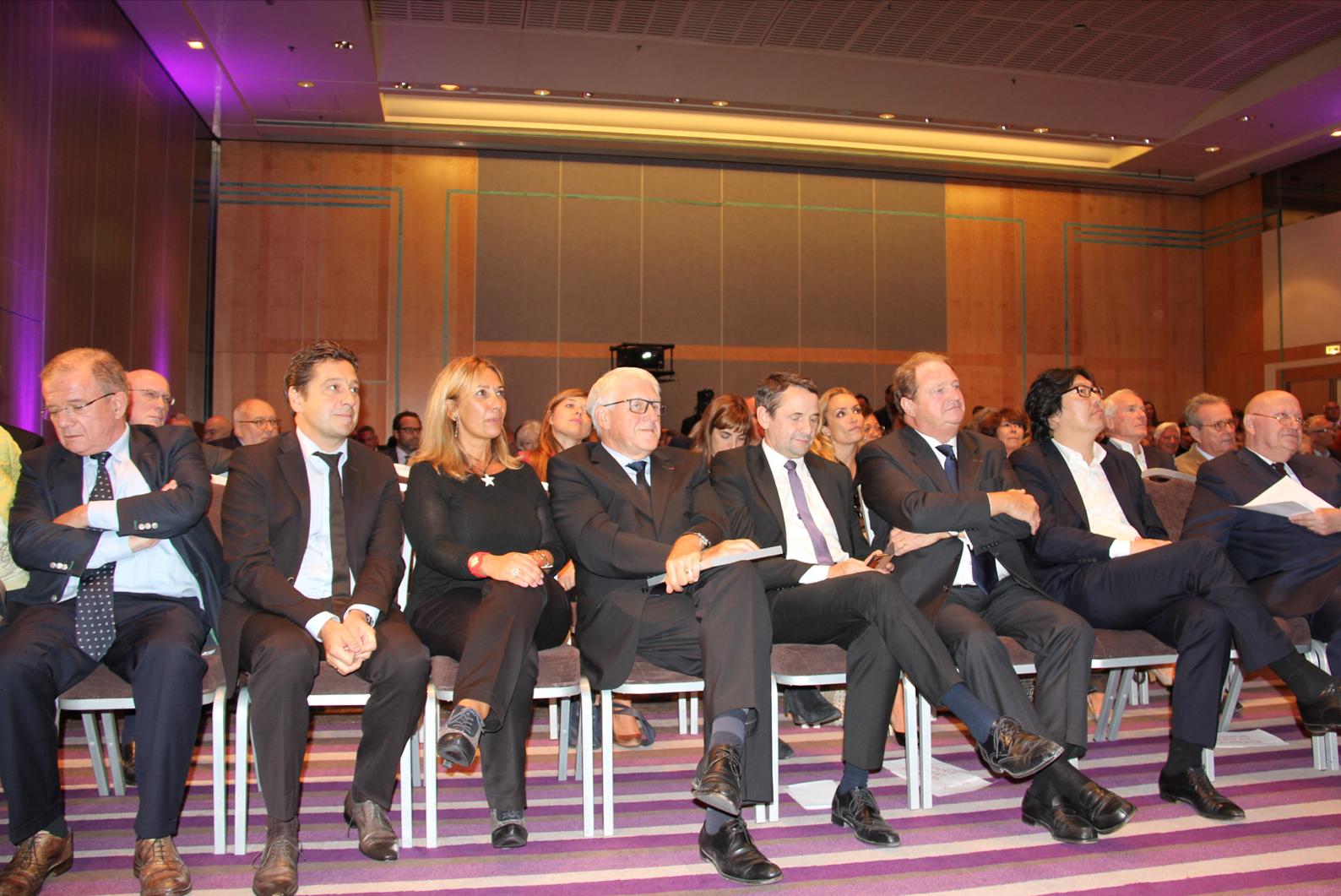 Dominique de Montvalon, Laurent Gerra, Isabelle Bourdet, Guy Delcourt, Thierry Mandon, Pierre Charon, Jean-Vincent Placé, André Santini