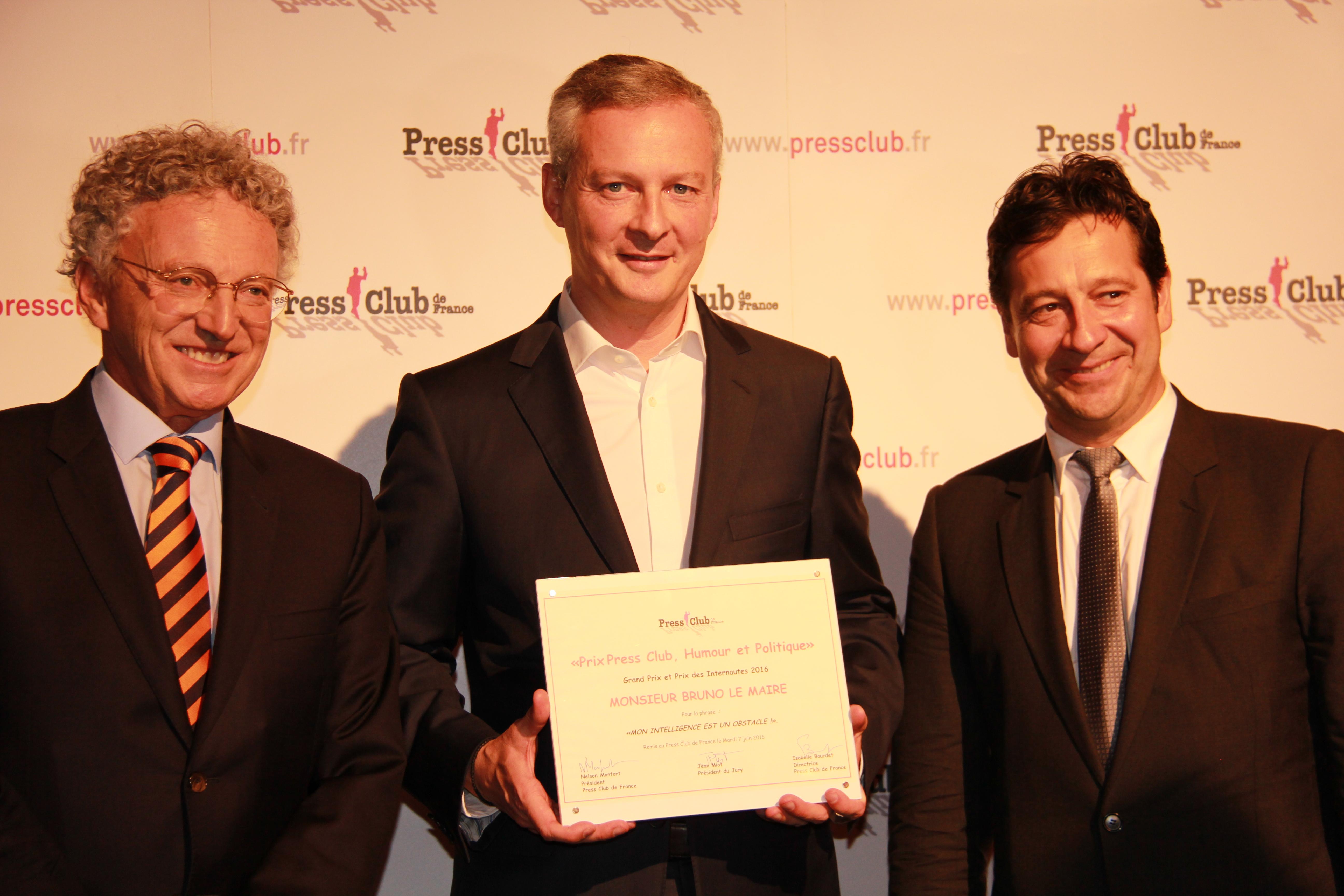 Nelson Monfort - France Télévisions et Président du Press Club, Bruno Lemaire - Lauréat du Grand Prix Press Club, Humour et Politique 2016 et Laurent Gerra