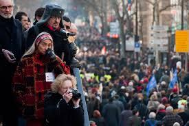 Les médias s'associent à une méthodologie de comptage indépendant lors des manifestation